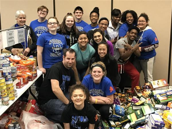 Raytown High School Students Organize Annual Community-Wide Food Drive Benefiting REAP