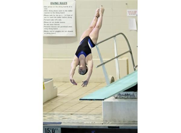 Raytown High School Student Earns Third Place in State Dive Competition